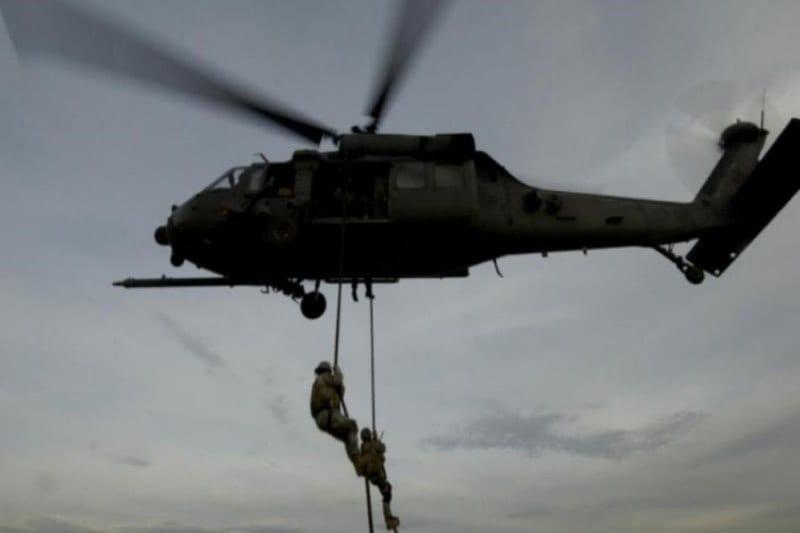 """عملية إنزال جديدة لقوات التحالف تستهدف خلية تابعة لـ""""داعش"""" شرقي دير الزور"""