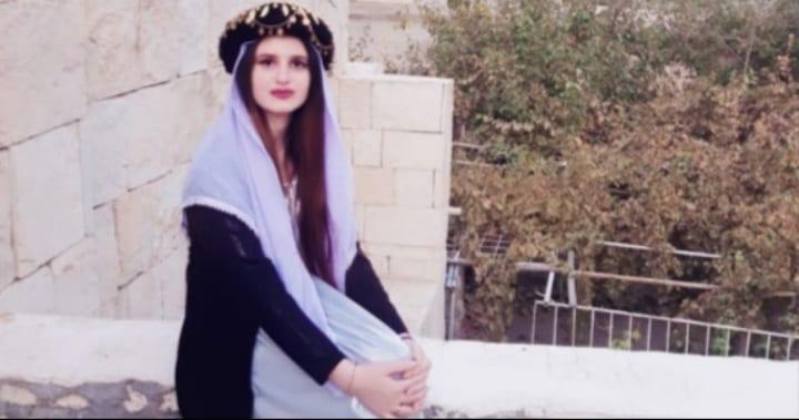 إيزيديّة نازحة من سنجار الأولى على العراق بامتحانات الطلبة الوزارية