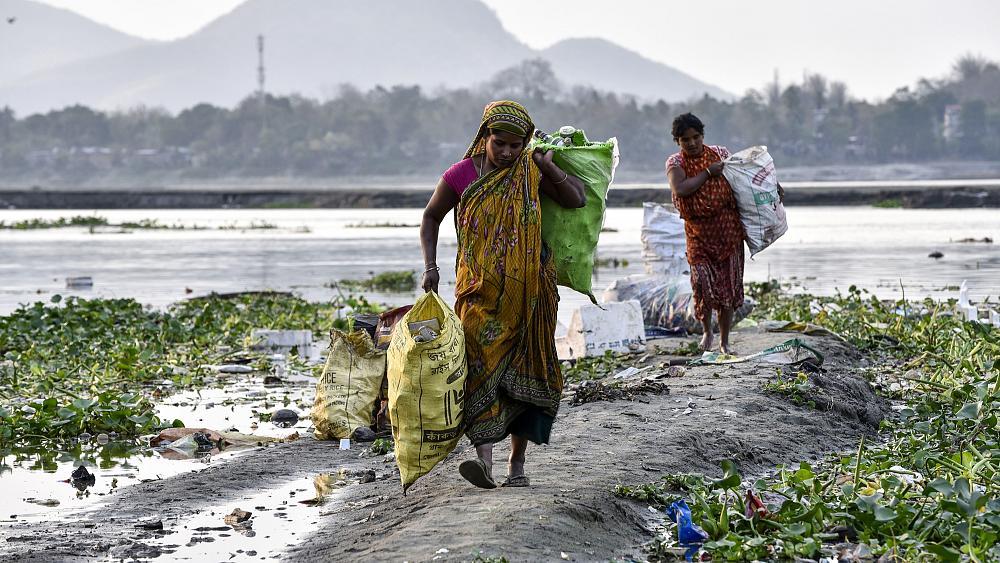 """29 مليون امرأة في العالم تعيش ضحية """"العبودية الحديثة"""""""