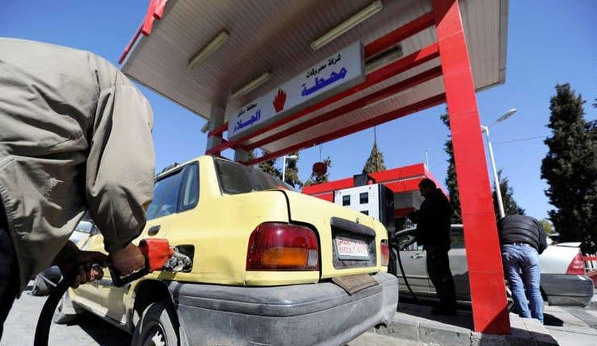 """أعضاءٌ في قيادة """"البعث"""" وآخرون في البرلمان.. """"الهوامير"""" يُسيطرون على محطات الوقود في دمشق"""