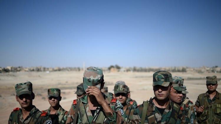 """تحذيرات من كارثة صحية: معسكرات الميلشيات الموالية للقوات النظامية بؤرة انتشار """"كورونا"""" في الرقة"""