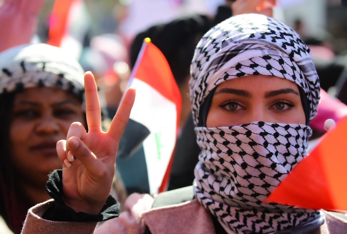 بعد حملات العنف والتشهير: هل تمكّنت نساء العراق من تثبيت وجودهن في ساحات التظاهر؟