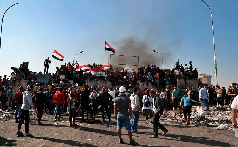 محتجون عراقيون: الصدر يركب موجة التظاهرات قبل اندلاعها