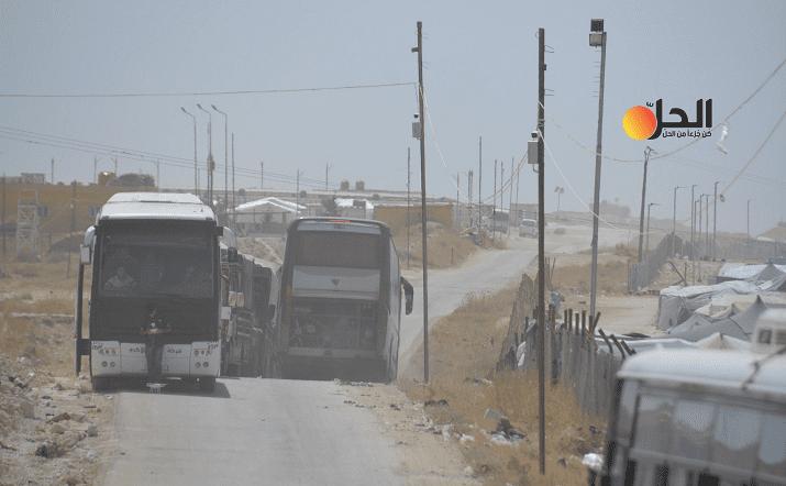 """بعد مغادرة دفعة جديدة من السوريين.. كم تبقى من مقيمي مخيم """"الهول""""؟"""