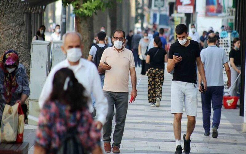 """لإجبار المواطنين على ارتداء """"الكمامات"""" الداخلية التركية تمنع التدخين في عموم البلاد"""