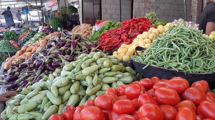 دمشق.. الحكومة تفتح محال للخضار والفواكه في سوق الهال!
