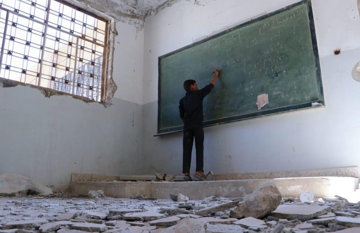 فيديو- مشاهد من إحدى مدارس اللاذقية تُثير غضب رواد التواصل الاجتماعي.. والسبب!