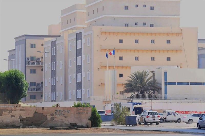 """4 جرحى في هجوم استهدف احتفالاً للسفارة الفرنسية بمدينة """"جدة"""" غربي السعودية"""